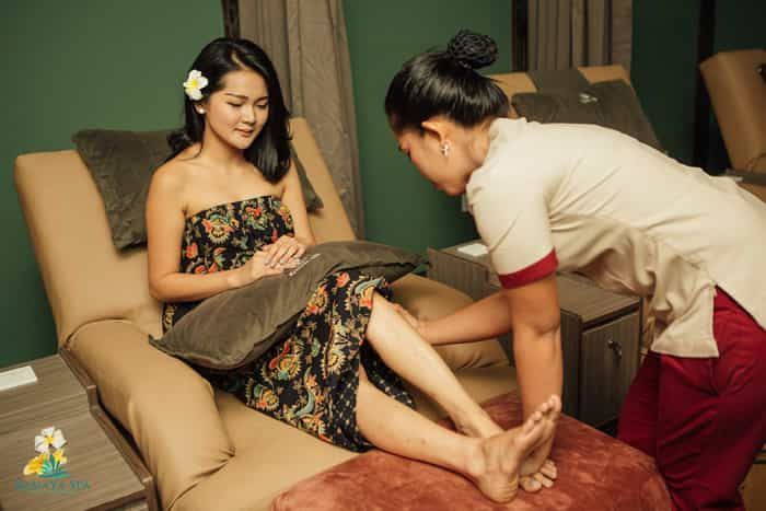 Aromatherapy Foot Reflexology