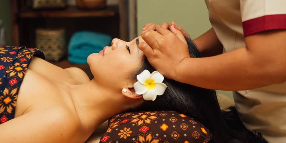 Totok Wajah (Face Massage)