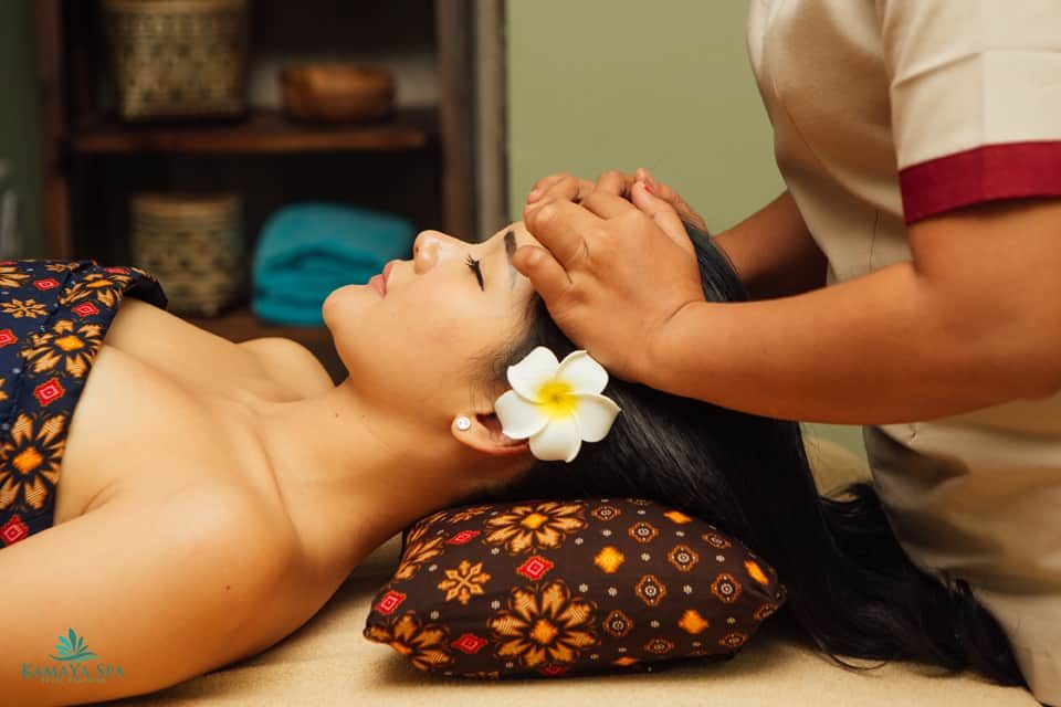 Totok Wajah (Face Massage)